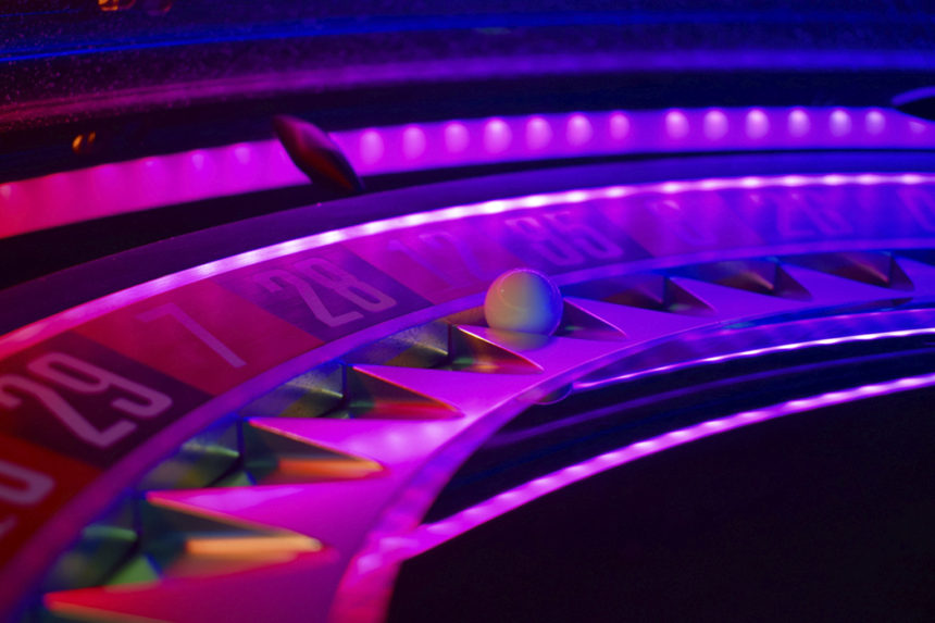 Saturn Glo Roulette Wheel
